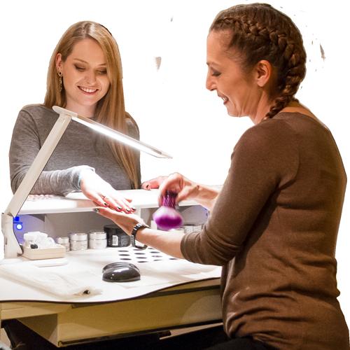 Für Kosmetikbehandlungen und Nageverschönerung in Thun
